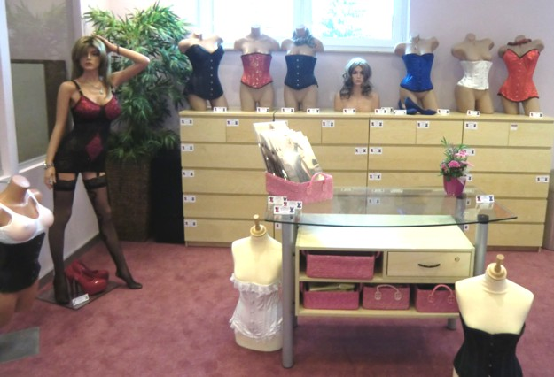 korsetts-mieder-showroom-transgender-schwaig-nuernberg.jpg